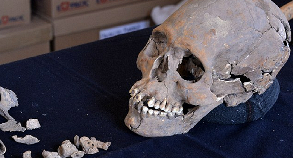 Skeleton With Stone-Encrusted Teeth Found In Mexico Ancient Ruins