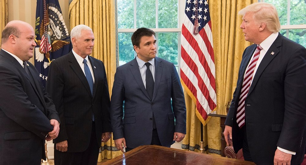 Left to right: Ukrainian Ambassador to Ukraine Valeriy Chaly, US Vice President Mike Pence, Ukrainian Foreign Minister Pavlo Klimkin, and US President Donald Trump