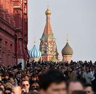 People gather for a rally against terrorism in central Moscow on April 6, 2017 following April 3 blast in the Saint Petersburg metro.