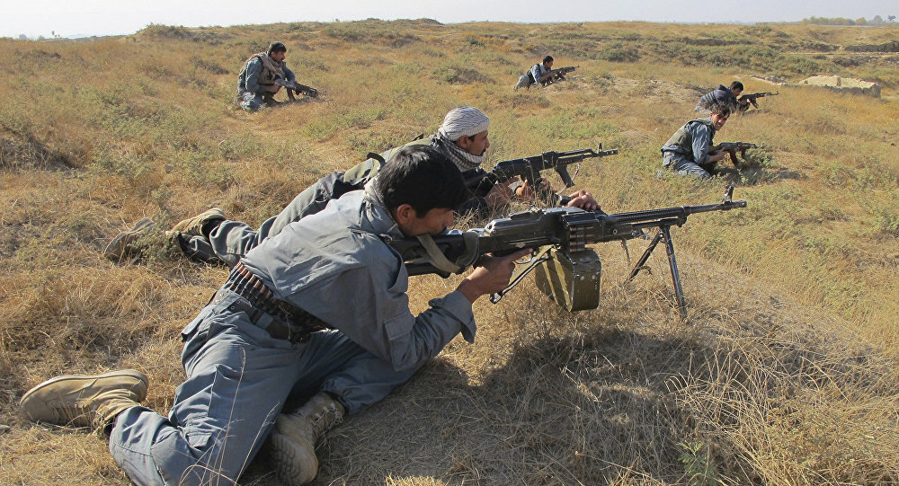 Afghan National Army soldiers take positions during a joint operation by ISAF and ANSF against taliban in Kunduz province, north of Kabul, Afghanistan (File)